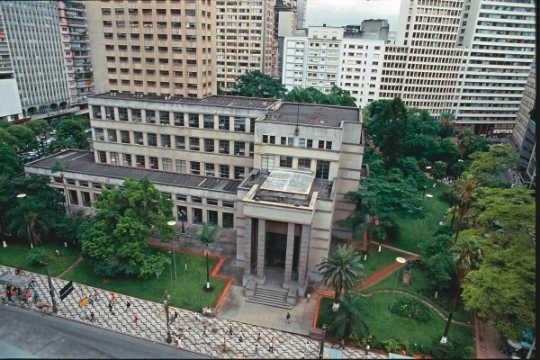 Biblioteca Mário de Andrade: o edifício em 1987