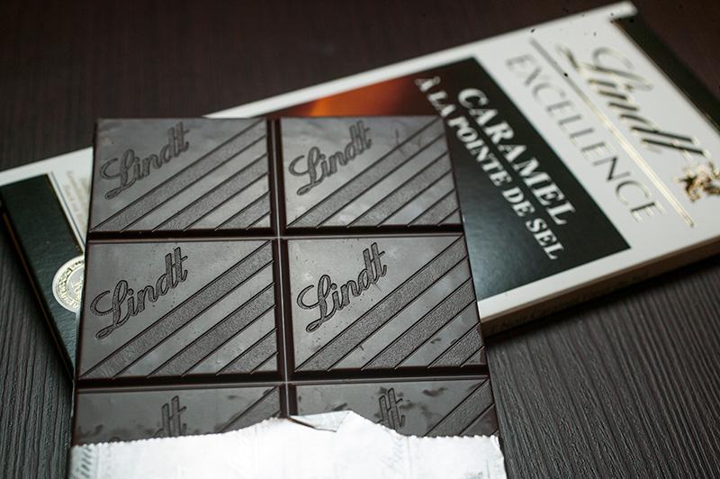 A tradicional barra de chocolate amargo com caramelo de flor de sal