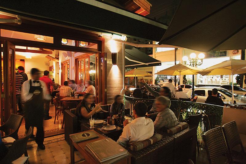 Bar Jordão, no Tatuapé: agito na sacada