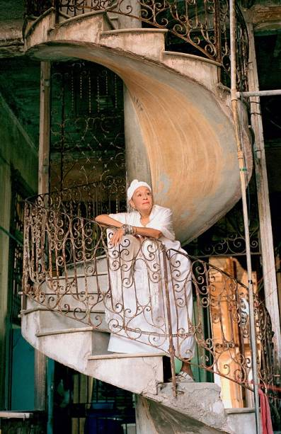 O conjunto cubano retorna à cidade com a cantora Omara Portuondo