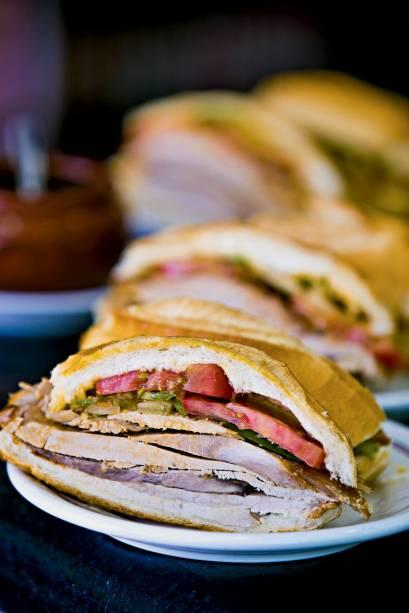 O sanduíche de pernil do Estadão: um dos mais tradicionais da cidade