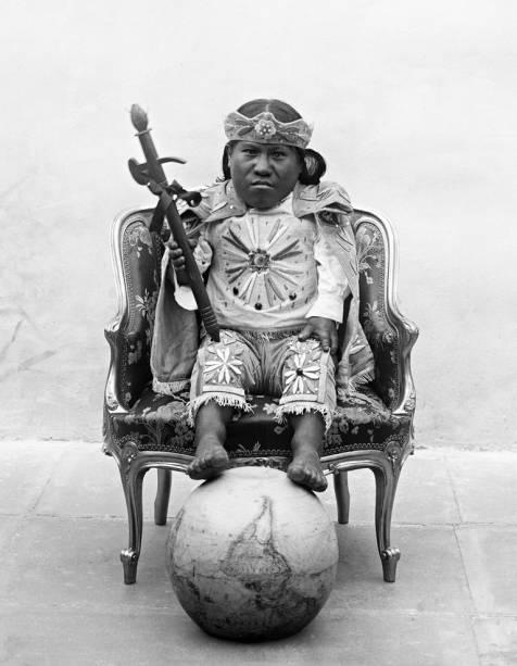 A coleção do boliviano Javier Nuñez de Arco traz uma série de fotografias de anões