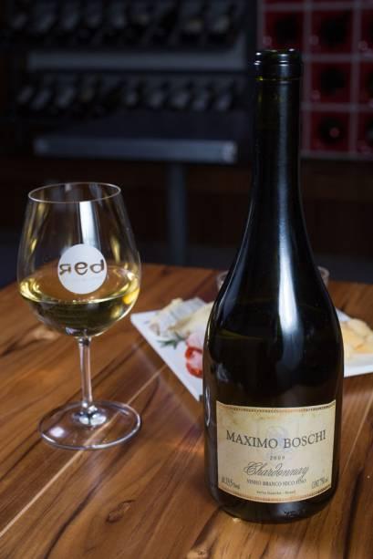 Da região do Vale dos Vinhedos (RS), o Maximo Boschi Chardonnay 2009 pode funcionar como um agradável aperitivo