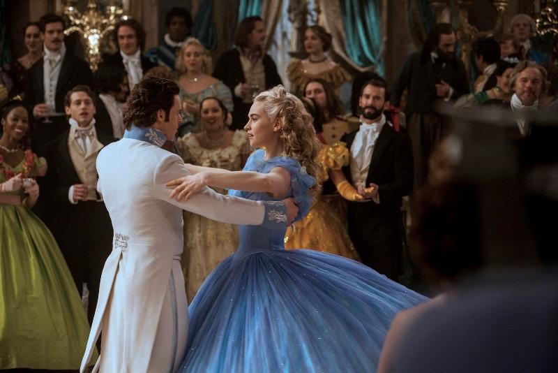 Cinderela: o grande baile