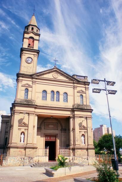 A Igreja Nossa Senhora do Ó: treze missas por semana