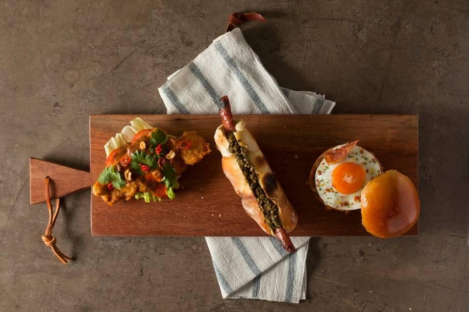 Town Sandwich Cº: satay, choripán e sanduíche de pernil desfiado