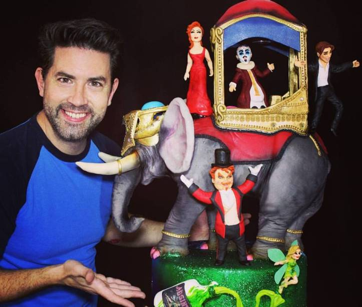 O artista plástico e confeiteiro Rick Zavala, vencedor de Batalha dos Confeiteiros Brasil, inaugura a exposição Imaginação Real 2 na TAG Torrego Art Gallery (Rua Baltazar Fernandes, 207, no Brooklin)