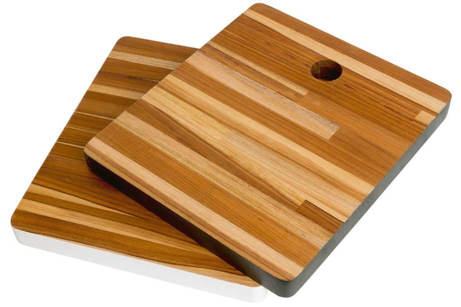 Tábuas de madeira, R$ 90,00 cada uma. Simultanea.