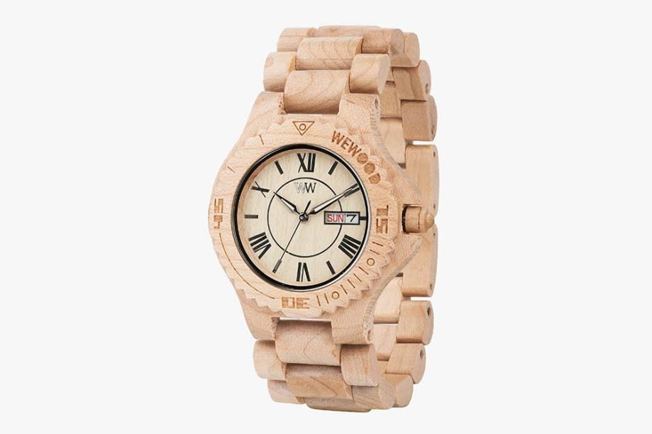 Relógio feito com madeira reutilizada