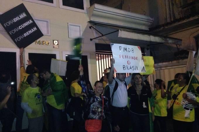 foto-protesto-pmdb-barbara.jpeg