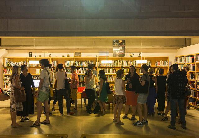Biblioteca do espaço tem 2.500 títulos