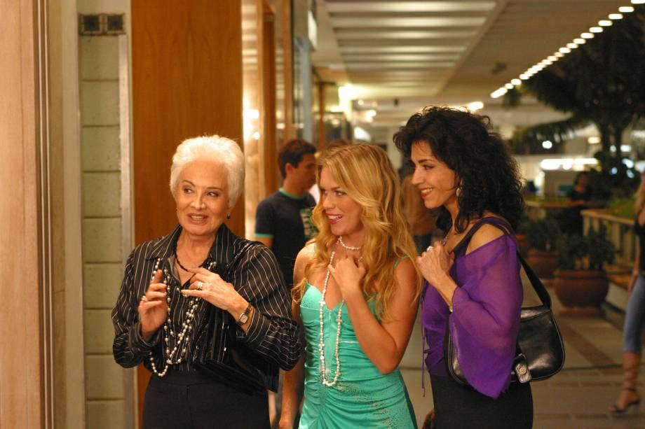 Com Gloria Menezes e Ludmila Dayer na novela <em>Senhora do Destino</em>