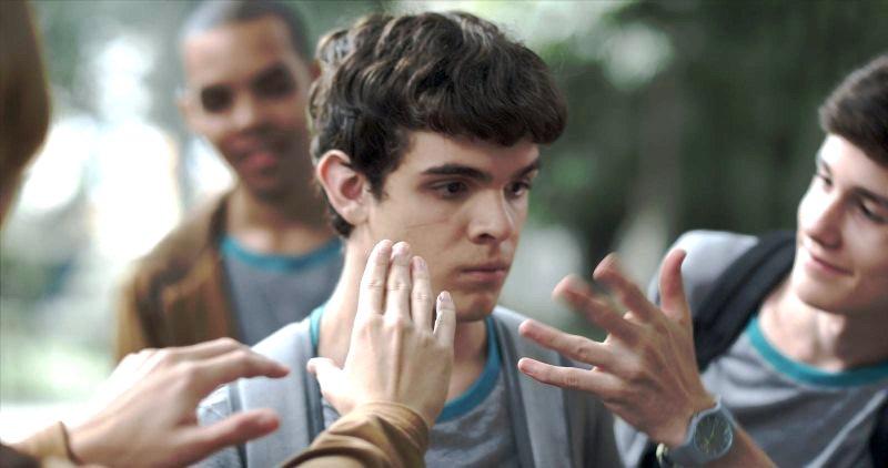 Hoje Eu Quero Voltar Sozinho: o ator Guilherme Lobo interpreta um adolescente cego