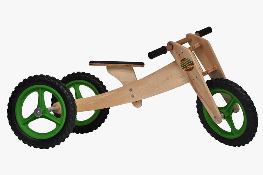 Triciclo que se transforma em bicicleta de madeira
