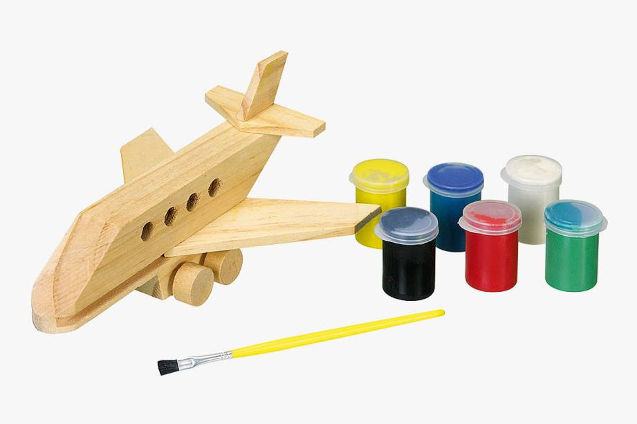 Avião de madeira com tintas, lixa e pincel