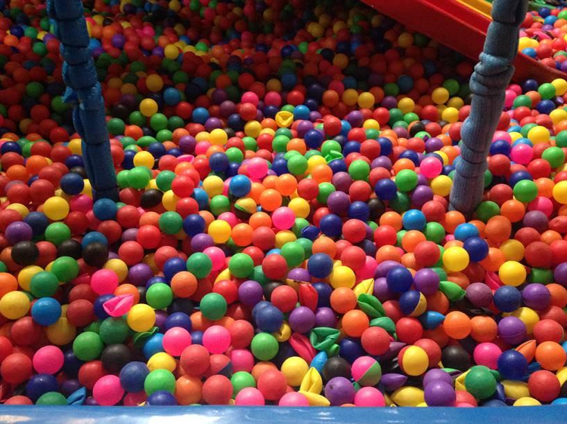 Amazing Balls: reposição de unidades amassadas é feita a cada sessenta dias, de acordo com organização
