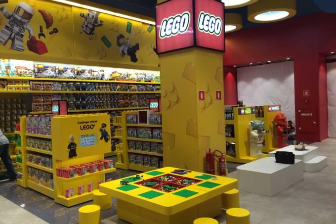 ri-happy-lego-2.jpeg