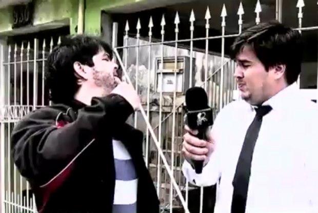 O repórter é agredido