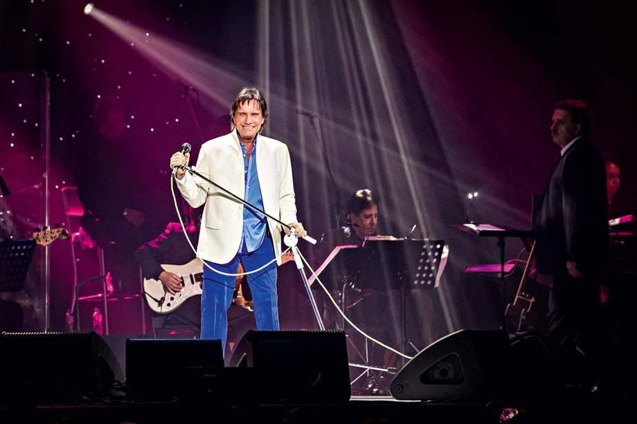Roberto Carlos, se apresenta no palco do Vivo Rio, no Rio de Janeiro, RJ.