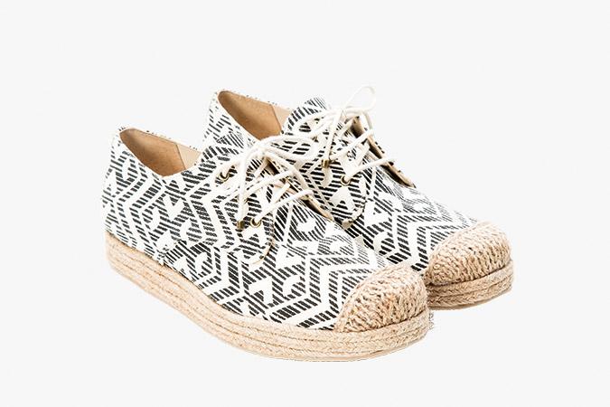 Sapatos com solado de corda