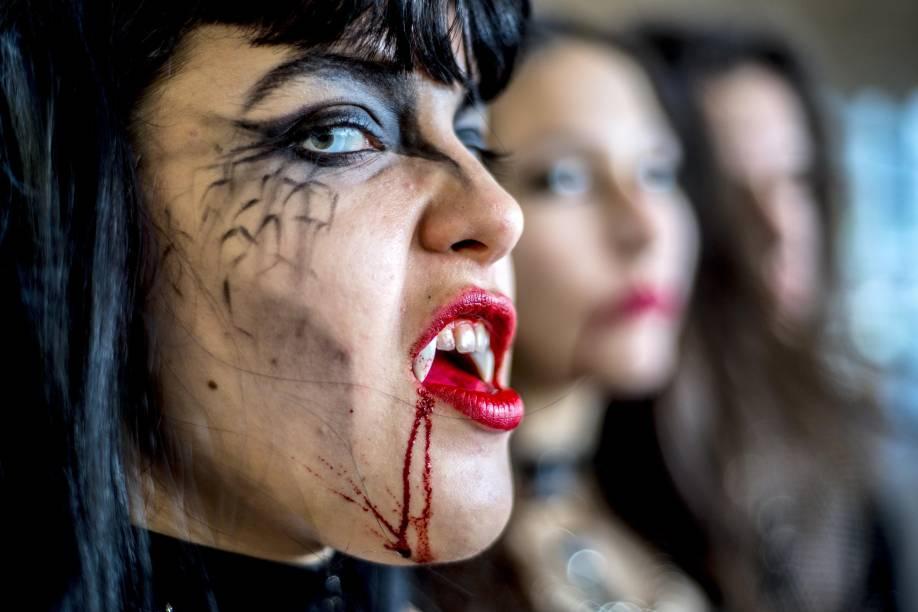 """Os """"vampiros"""" se reúnem na tarde deste sábado (15) no vão livre do Masp"""
