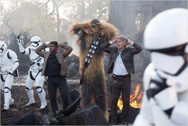 Star Wars: O Despertar da Força: a sequência é ambientada 30 anos após Star Wars: Episódio VI: O Retorno de Jedi