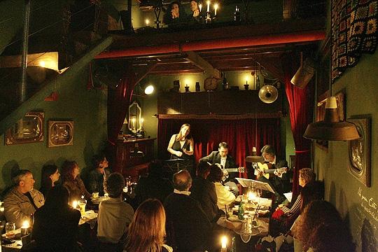 Casa de Francisca tem cervejas artesanais e música ao vivo