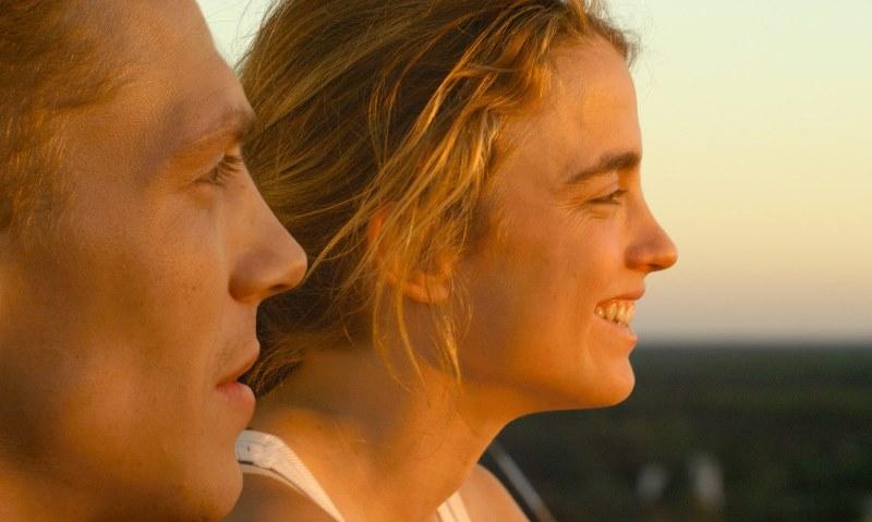 Amor à Primeira Briga: Arnaud (Kevin Hazaïs) e Madeleine (Adèle Haenel)