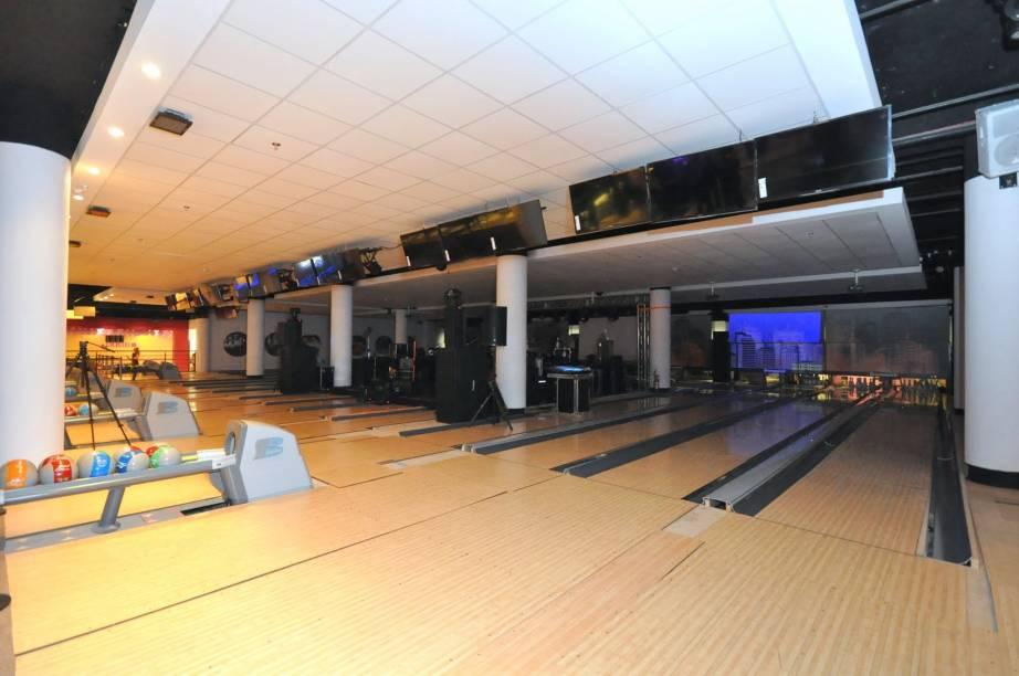 Villa Bowling, no Shopping West Plaza