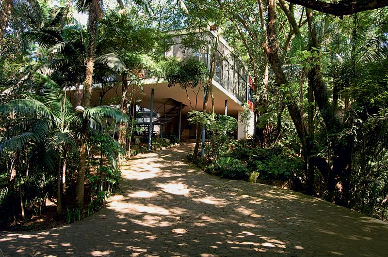 Casa de Vidro, que pertenceu à arquiteta Lina Bo Bardi