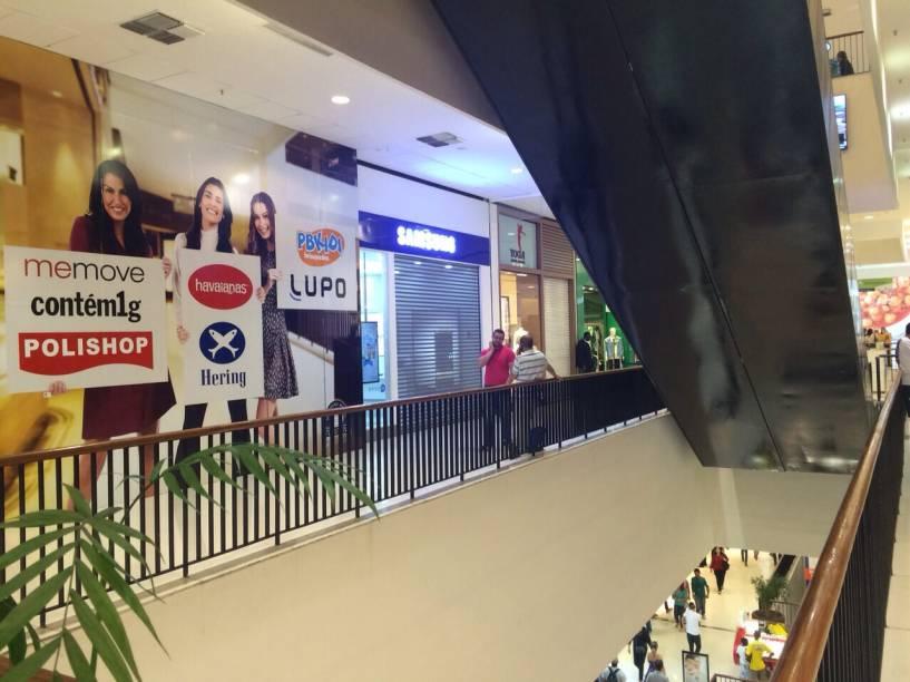 De cinco a dez tiros foram disparados dentro do centro ce compras