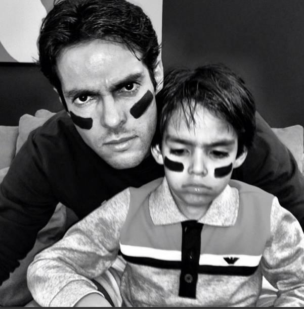 Kaká e o filho prontos para o Superbowl, final do campeonato de futebol americano