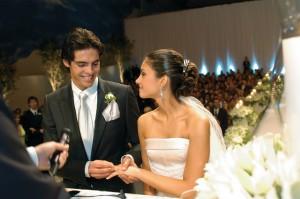 Kaká e Carol na cerimônia de casamento, em 2005