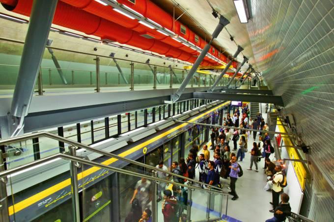 estacao-do-metro-paulista-da-linha-4-amarela.jpeg