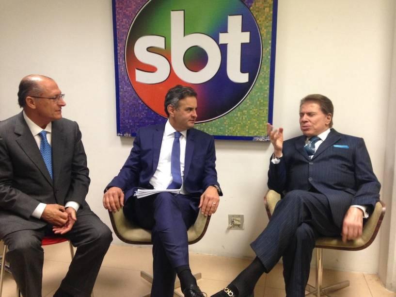 Aécio Neves e Geraldo Alckmin se encontram com Silvio Santos antes do debate presidencial no SBT