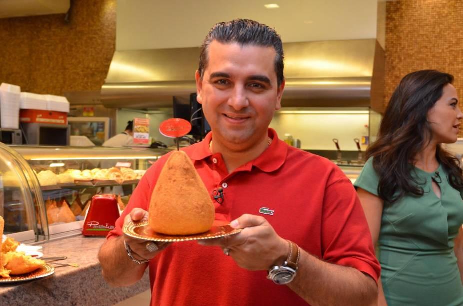 Cake Boss: confeiteiro experimentou a coxinha de 1 quilo