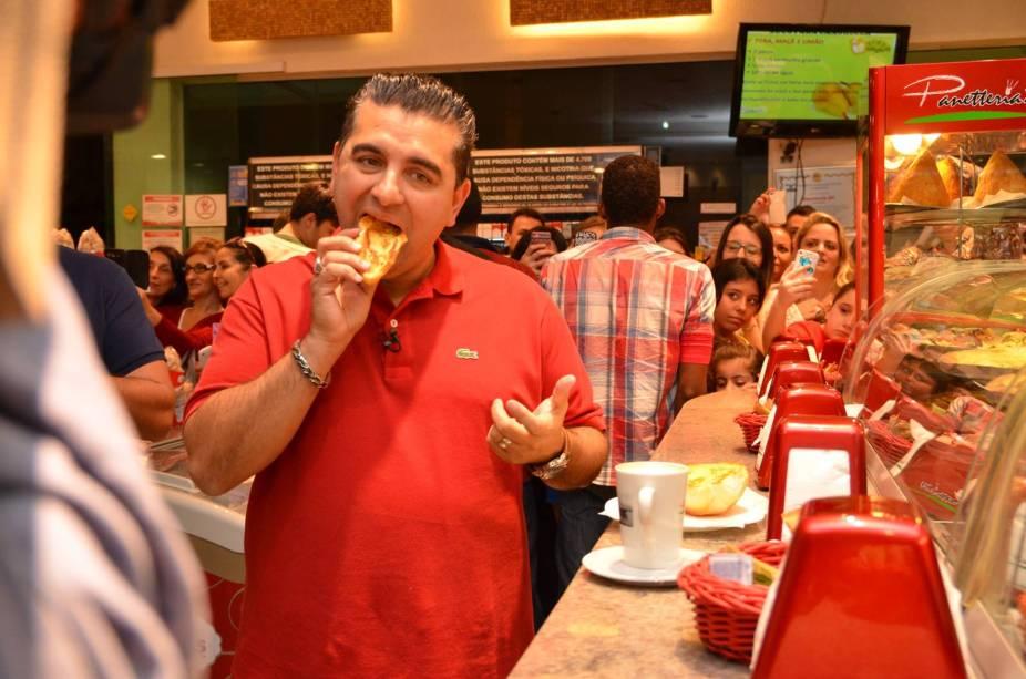 Cake Boss: Valastro experimentou a combinação de pão na chapa com uma média