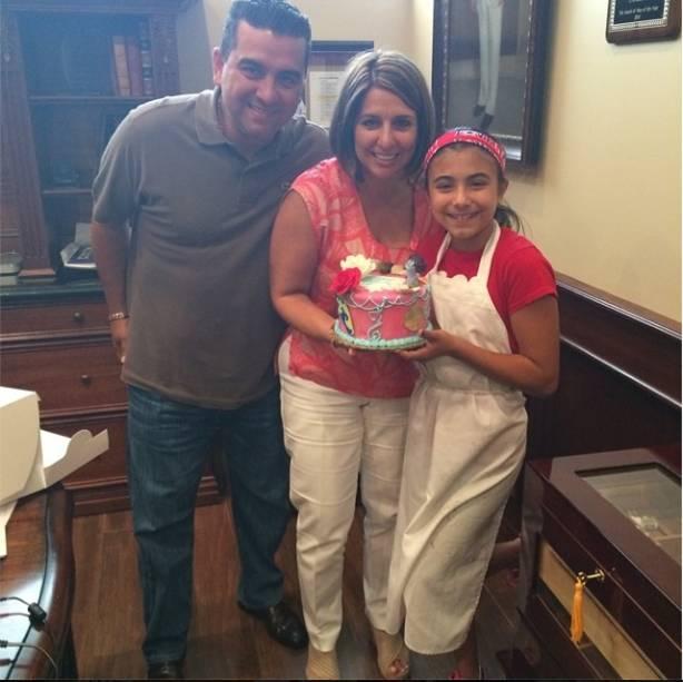 Com a filha Sofia, que fez bolo para comemorar o aniversário da tia