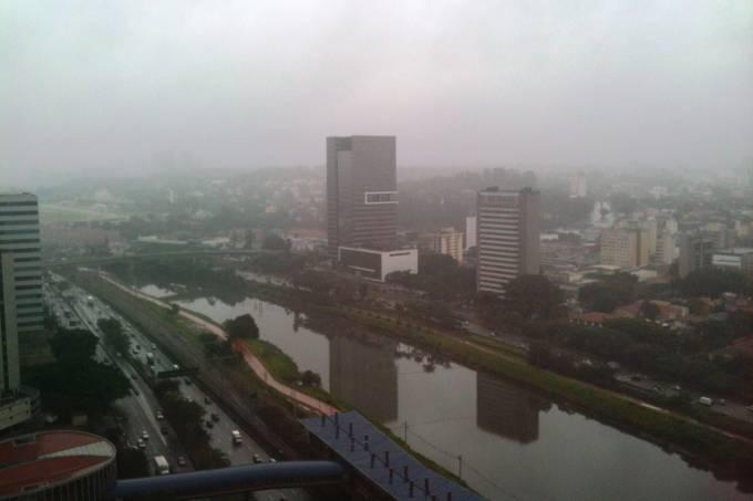 chuva-sao-paulo-marginal-pinheiros-24-05-2014.jpeg