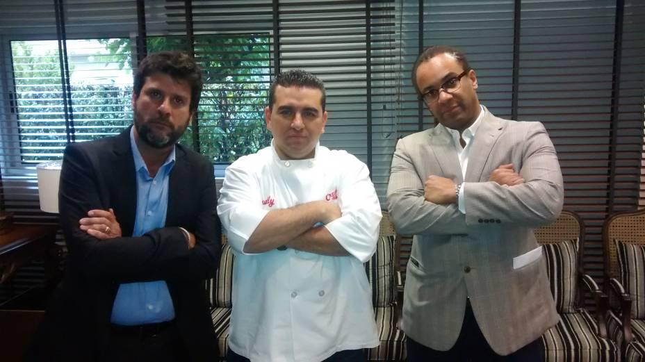 Marcello Braga, diretor geral da Endemol Brasil, Buddy Valastro e Art Edwards, CEO da Cakehouse Media e cocriador do programa Cake Boss