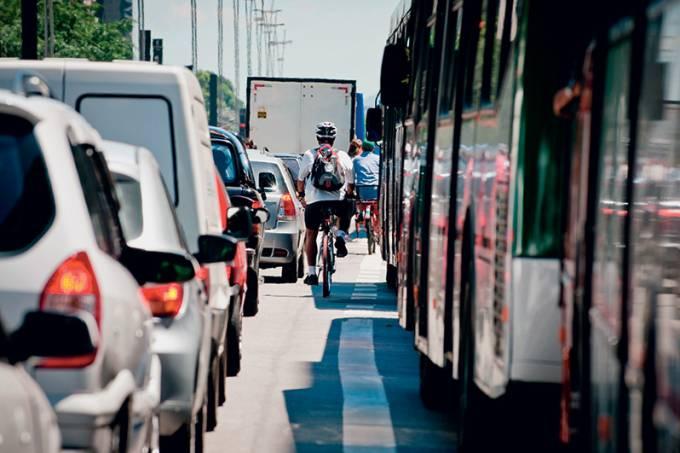 transito-na-av-paulista.jpeg