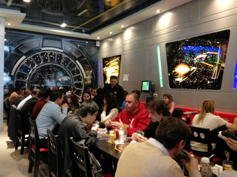 Jeti's Burger eWars Grill: ambiente temático da série Star