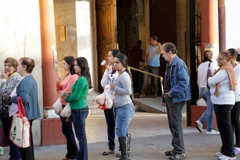 Popular principalmente entre mulheres, Santo Antônio é conhecido por dar uma força para quem quer se casar