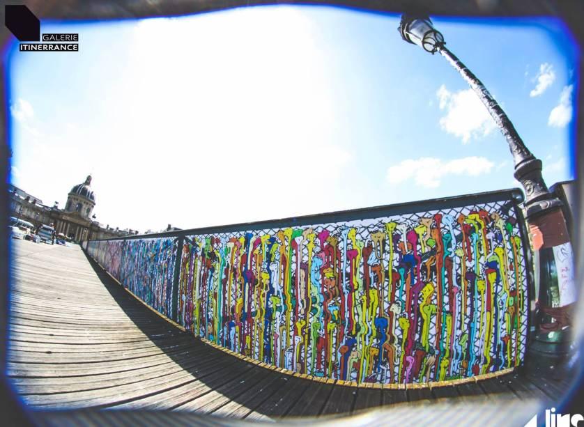Promovida pela galeria francesa Itinerrance, exposição de arte de rua entra no lugar dos cadeados do amor da Pont des Arts, em Paris