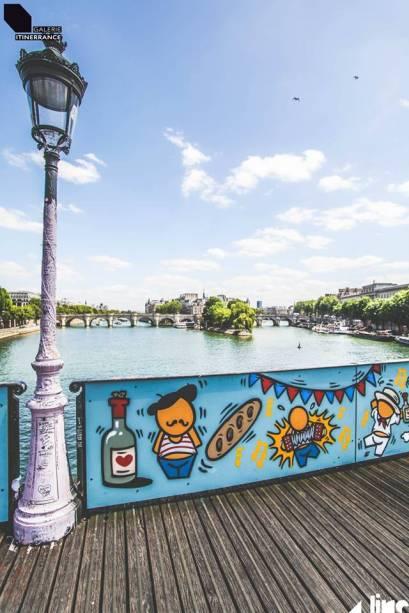 Mais de 700 000 cadeados foram colocados na ponte por casais apaixonados