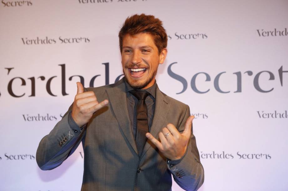 Christian Villegas será Leo, um modelo de sucesso que topa qualquer tipo de trabalho