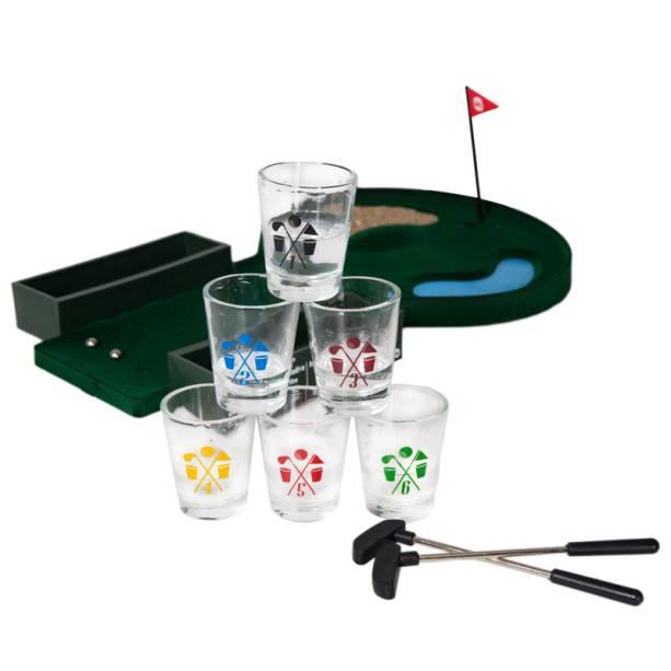 """Jogo de golfe com copos de shots, R$ 135,90, da <a href=""""http://uatt.com.br/"""" rel=""""Uatt?"""" target=""""_blank"""">Uatt?</a>"""
