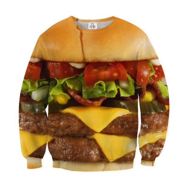 """Moletom de hambúrguer, R$ 269,00, do <a href=""""http://universoonassis.com/"""" rel=""""Universo Onassis"""" target=""""_blank"""">Universo Onassis</a>"""