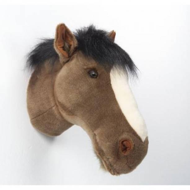 """Cabeça de cavalo de pelúcia de parede, R$ 550,00, da <a href=""""http://www.coisasdadoris.com.br/"""" rel=""""Coisas da Doris"""" target=""""_blank"""">Coisas da Doris</a>"""