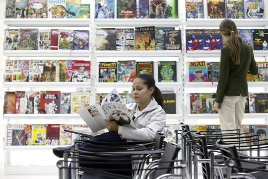 CCSP: gibiteca reúne 120 000 gibis, álbuns, livros e revistas de HQ